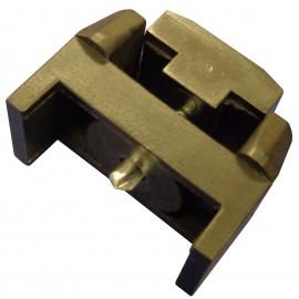 Táblás kerítésrögzítő bilincs 60x40mm oszlophoz